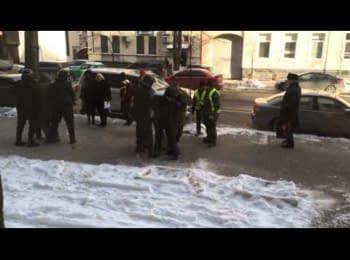 Спроба арешту людей на Інститутській 27.01.2014p /Security forces  trying to arrest people on Instytutska Street 01/27/2014