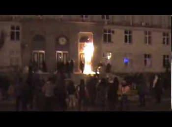 """Активісти автомайдану vs """"Беркут"""" у Черкасах / AutoMaydan vs Bercut in Cherkasy"""