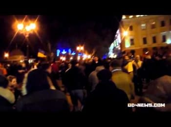 "Фанати ""Чорноморця"" прогнали тітушок з Євромайдана в Одесі /Fans of ""Chernomorets"" banished titushes from Euromaidan in Odessa"