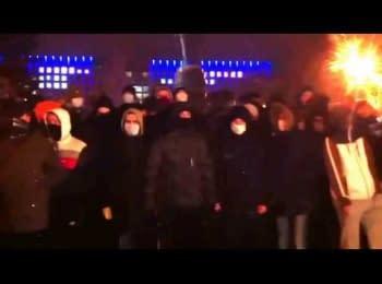 """Ультрас ФК """"Шахтар"""" захищають Донецький Євромайдан. (23.01)"""