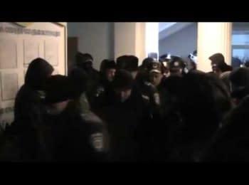 Рівненська міліція подала у відставку і покинула приміщення ОДА