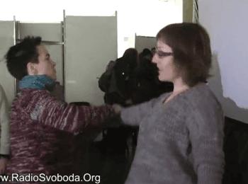 На Євромайдані з'явилася жіноча сотня самооборони / There was formed a women's self-defense division on Maydan