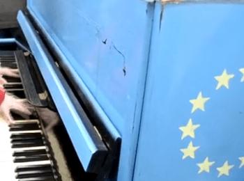 У Луганську намагалися зірвати акцію «Інструмент свободи» / In Lugansk attempted to disrupt the event «Instrument of freedom»