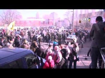 "Харківський ""Оплот"" побили на Грушевського (18.02.2014) / Pro-govt ""Oplot"" from Kharkiv was beaten on Grushevskogo (18.02.2014)"