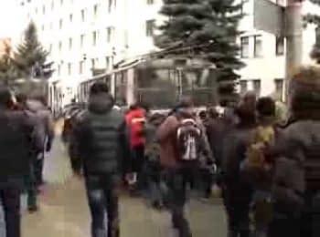 У Хмельницькому біля СБУ підстрелили жінку / In Khmelnytsky, a woman was hit near Secret Service office