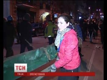 Хронологія нічного протистояння на Майдані / Key facts from last night's battle on Maydan