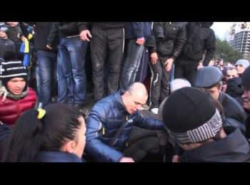 Monument of Lenin was toppled down in Mykolaiv