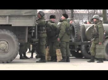 Kerch. Russian soldiers ship the live cartridges 5.45