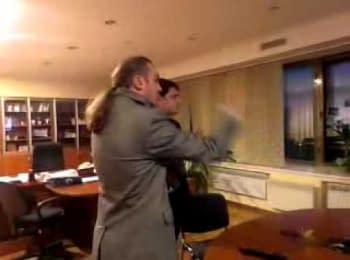 Представники «Свободи» змусили очільника Першого національного телеканалу України написати заяву про звільнення