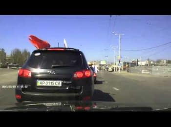 In Zaporizhia the car of the pro-Russian activists is smashed, March 23, 2014