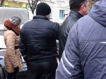 Жителі Слов'янська проти озброєних людей, 12.04.2014