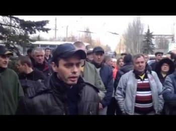 Житель Горлівки під час проросійського мітингу звернувся до московських загарбників: що ви коїте?