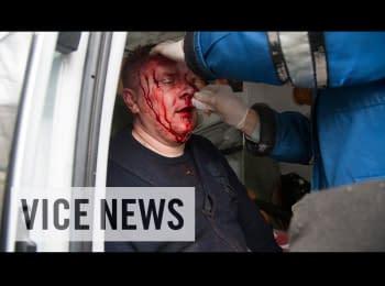 Пророссийские протестующие штурмовали городское отделение милиции в Горловке, 14.04.2014