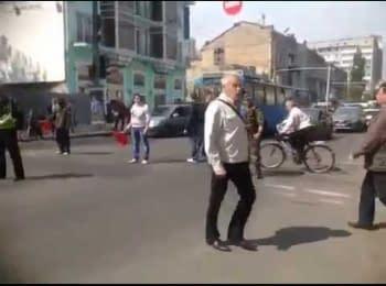Один патриот Украины против многотысячного пророссийского марша. Одесса, 01.05.2014