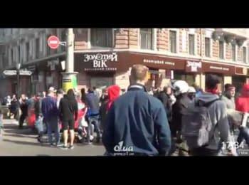 Первая жертва массовых столкновений в центре Одессы, 02.05.2014
