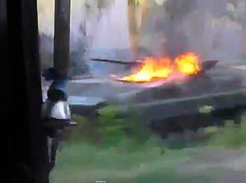 У мережі з'явилися відео з місця нападу екстремістів на українських військових у районі Волновахи Донецької області  (22.05.2014)