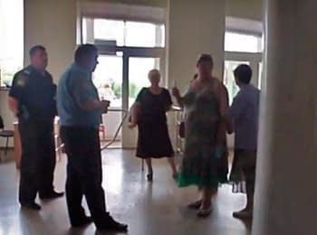 "Representatives of the so-called ""Donets'k People's Republic"" rushed in Artemivs'k City Council to disrupt the elections"
