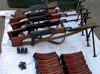 СБУ ліквідувала канал постачання зброї та вибухівки терористичним групам