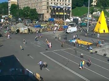 Кличко пропонує прибрати барикади на Майдані