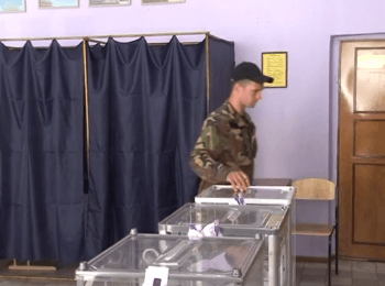 Military personnel during anti-terrorist operation participated in an election of the president of Ukraine