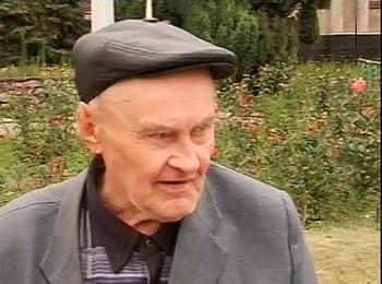 Пожилой мужчина в Славянске: Били (монголо-) татар, били фашистов и гадов Януковича тоже побьем!