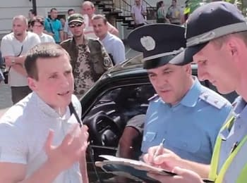 Odesa: Activists against the employee of Security Service of Ukraine, on July 22, 2014 (18+ Explicit language)