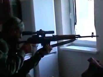 Шахтёрск: Боевики обустраивают огневые позиции в жилых домах (28.07.2014)