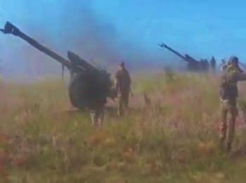 Російські артилеристи обстрілюють Україну (18+ нецензурна лексика)