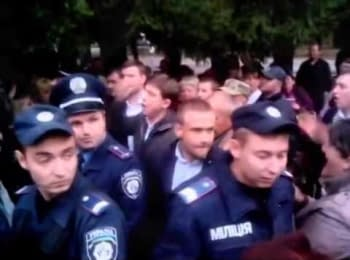 Les Dovgiy was kicked out from Znamenka, 23.09.2014