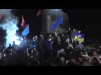 Падение идола в Харькове. Как это было