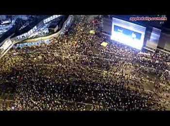 Протести в Гонконзі. Відео з безпілотника