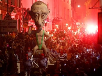 Effigies of Vladimir Putin at Bonfire Night in the UK