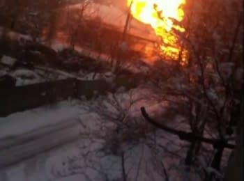 В Донецке около 58-го училища горит газопровод, 12.01.2015