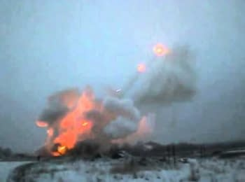 """Donetsk, militants firing from MLRS """"Grad"""" within a residential area, 17.01.15"""