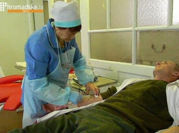 """Odessa citizens donate blood for the wounded """"cyborgs"""""""
