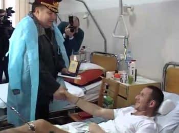 Міністр оборони України відвідав поранених бійців в Одесі