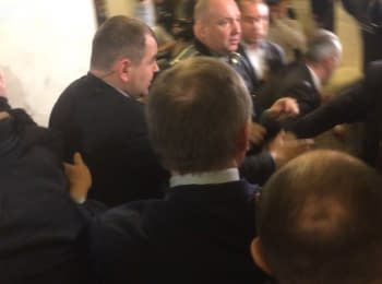 "Former commander of ""Aydar"" Melnychuk scuffled with Lyashko in Verkhovna Rada"