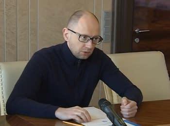 Арсеній Яценюк провів нараду в МВС щодо розстрілу патрульної машини в Києві