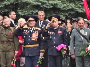 На Мемориале Славы в Харькове почтили память погибших воинов ВОВ
