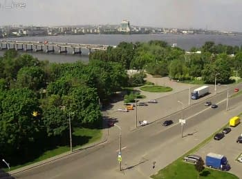 Dnipropetrovsk, view of the Marshal Malinovsky str. and Central Bridge
