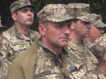 Президент Порошенко наградил воинов, которые задержали российских диверсантов под г.Счастье