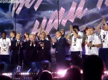 """""""Динамо"""" відсвяткувало чемпіонство концертом на НСК """"Олімпійський"""""""