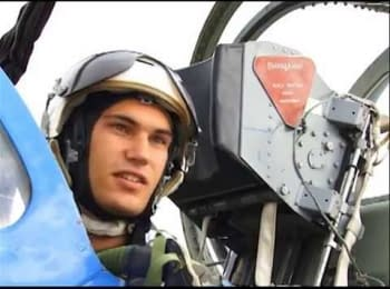 Курсанти-льотчики опановують авіаційну техніку