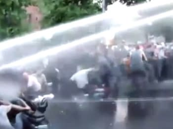 In Yerevan the police dispersed the demonstrators using water cannons