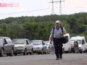 Блокпости в зоні АТО: кілометрові черги і корупція