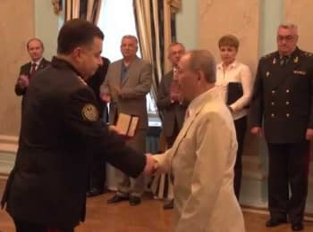 Defense Minister presented state awards to military doctors