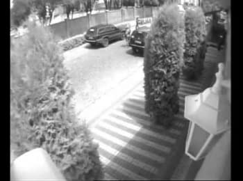The beginning of the conflict in Mukacheve. Video from surveillance camera. Camera 2