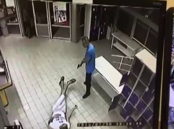 Стрельба в супермаркете АТБ в Харькове (видео с камер наблюдения)
