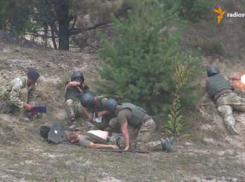 Ветераны АТО вместе с британскими инструкторами отражали засаду и спасали раненого