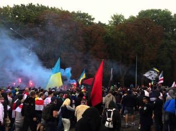 Білоруські та українські вболівальники пройшли маршем у Львові (18+, нецензурна лексика)